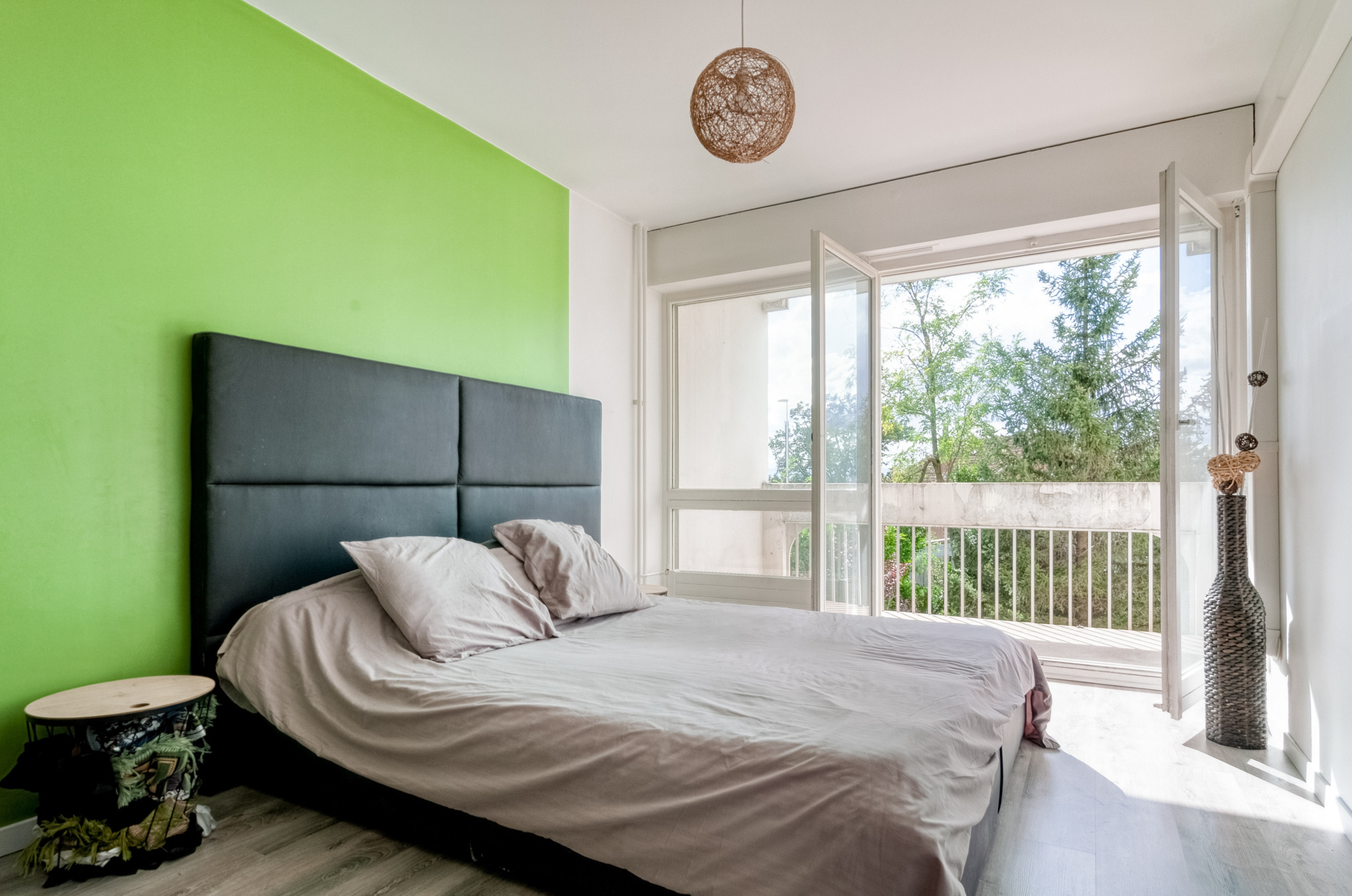 Chambre parentale avec dressing attenant et accès balcon exposition OUEST